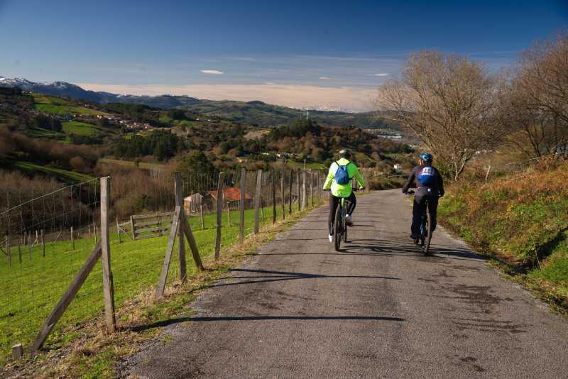 Excursiones en bicicleta eléctrica de montaña Cantabria